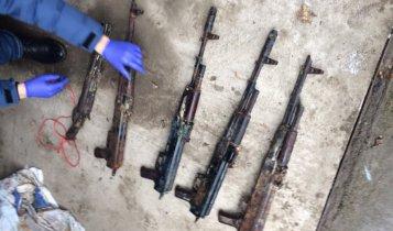 Керчанин с оружием ограбил АЗС.