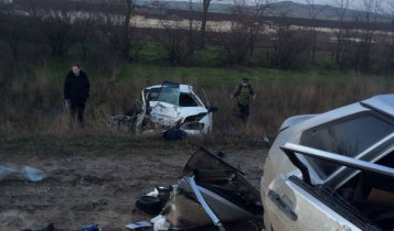 Авария в районе поворота на пгт. Ленино (фото с места ДТП)