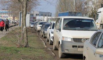 Керчане игнорируют запрет парковки